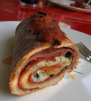 Scaccia Siciliana, pizza arrotolata
